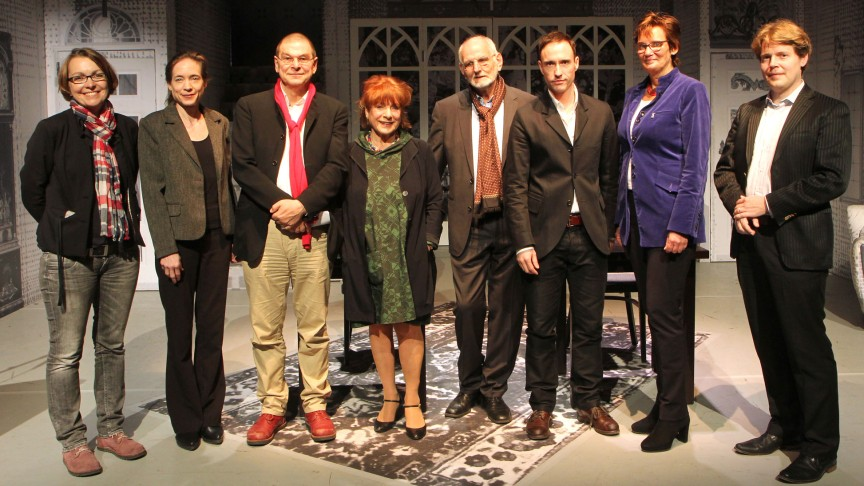 Tanja Weidner (Wolfgang-Borchert-Theater), Sonja Valentin, Meinhard Zanger (Director Wolfgang-Borchert-Theater), Hannelore Hoger, Gerd Krumeich, Oliver Urbanski, Sybille Benning, Jan Ehlert (from left to right) at the Wolfgang-Borchert-Theater Münster | © Klaus Lefebvre